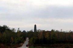 禹州有座清代的柏山塔允许游客攀登门票为零