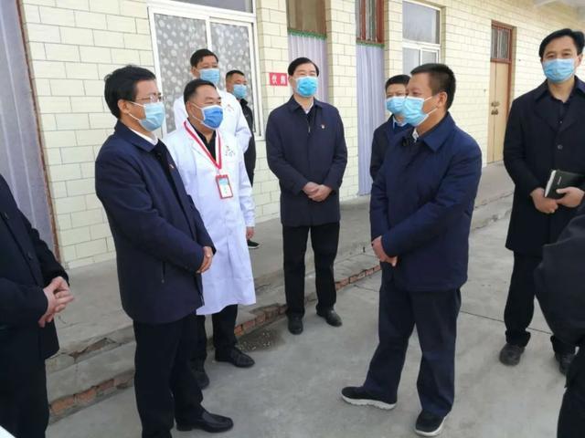 省委组织部常务副部长一行到禹州市督导疫情防控工作