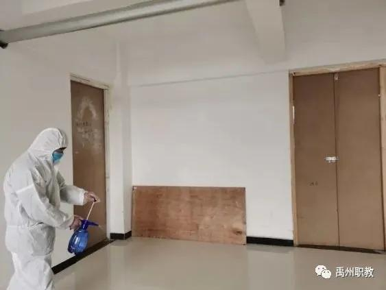禹州中等专业学校开展疫情防控应急处置演练
