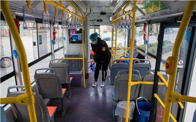 禹州公交:三八妇女节——致敬奋战在公交一线的铿锵玫瑰