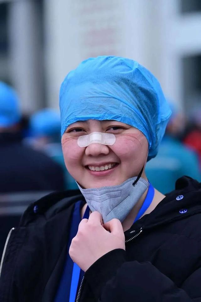 禹州市人民医院白衣天使将八段锦带进武汉方舱医院