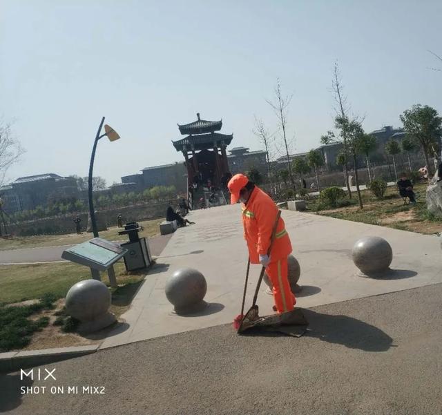 禹州环卫:春暖花开正当时 清洁城市展新颜