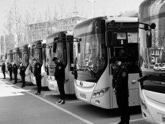 禹州公交向新冠肺炎疫情牺牲烈士和逝世同胞默哀3分钟