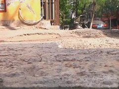 禹州市民纷纷吐槽,这条路坑洼破损十几年即将修复!