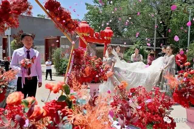 推迟婚礼剪断长发的禹州抗疫女英雄苗培娟结婚了,一起祝福她吧