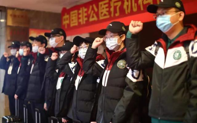 禹州绿城蘭亭公益活动 爱心绿豆汤清凉一座城!