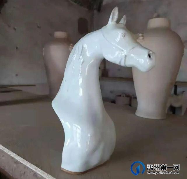 """禹州一位草根艺人的钧""""马""""缘"""